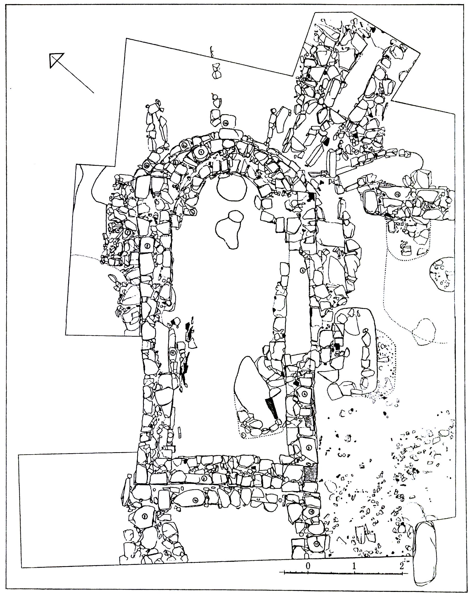 Рис. 2. Христианский храм с некрополем в пределах поселения на северо-восточном плече Аю-Дага (п. 26), план.