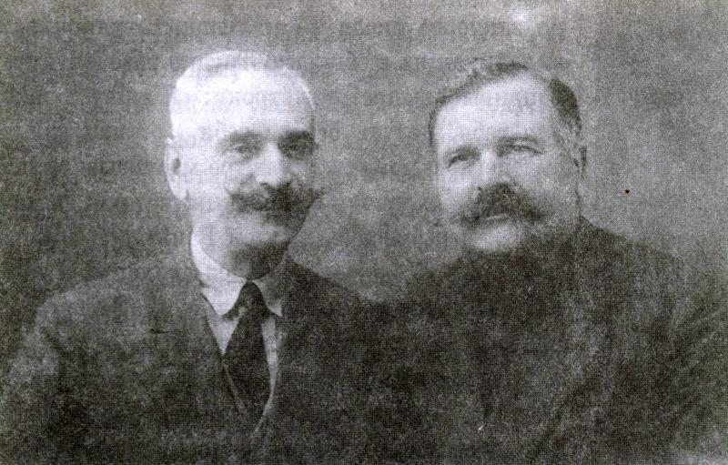 Алуштинские виноделы И.Н.Олтаржевский (слева) и Кашин
