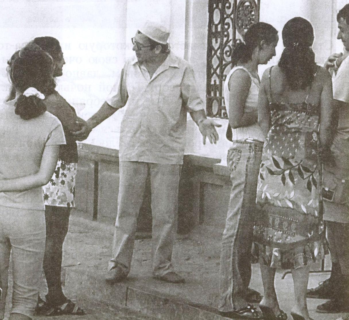 Караимский священник приглашает гостей Евпатории на экскурсию