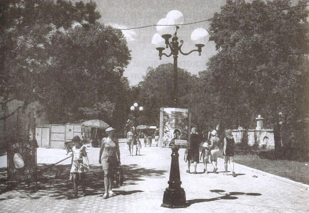 Именем С. Дувана назвали улицу ещё при его жизни. Сегодня Дувановская — одна из самых известных улиц Евпатории. Именно с неё началась реконструкция города в 2000 году