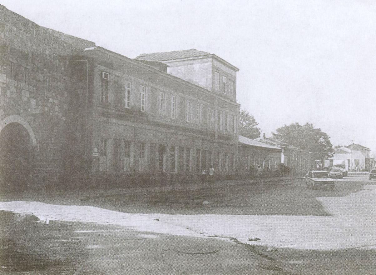 Площадь Одун-Базар перед Крепостными воротами. Современный вид