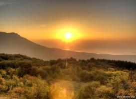 Восходы и закаты над Алуштой. Серия фотоснимков. Восходы - над...