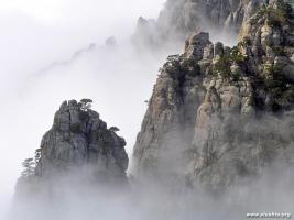 """""""Долина Привидений"""". Живописное урочище, расположенное на склонах горы Южная Демерджи..."""